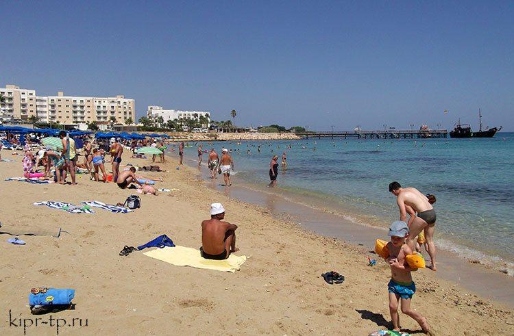 Цены на Кипре на пляжи и лежаки