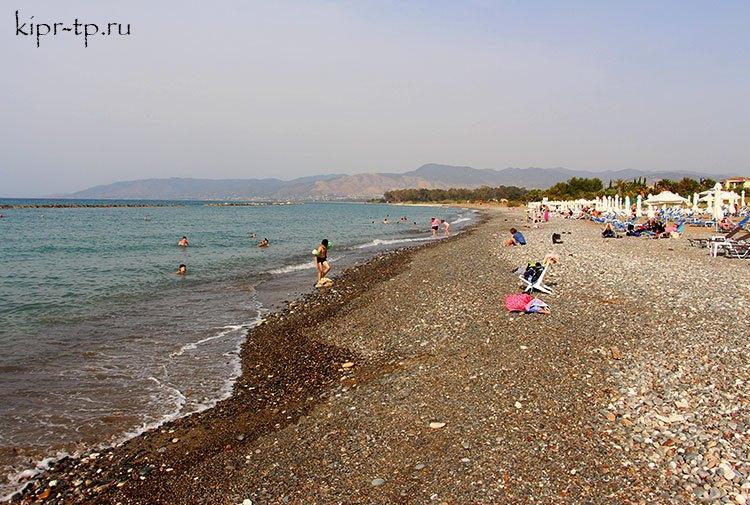 Песчано-галечный муниципальный пляж Полиса