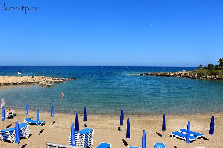 Пляж Врисудия