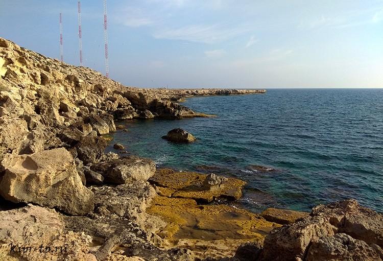 Вид на причудливую береговую линию