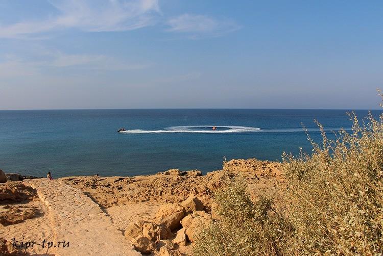 Голубая лагуна на мысе Греко
