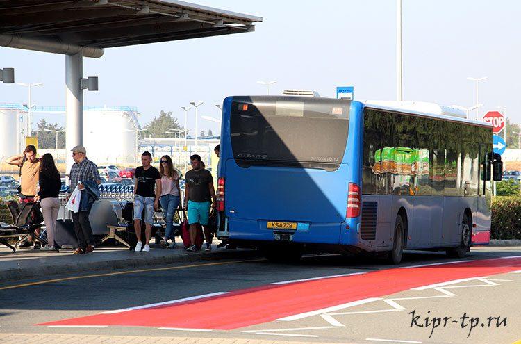 Как добраться из аэропорта Ларнаки в город на автобусе