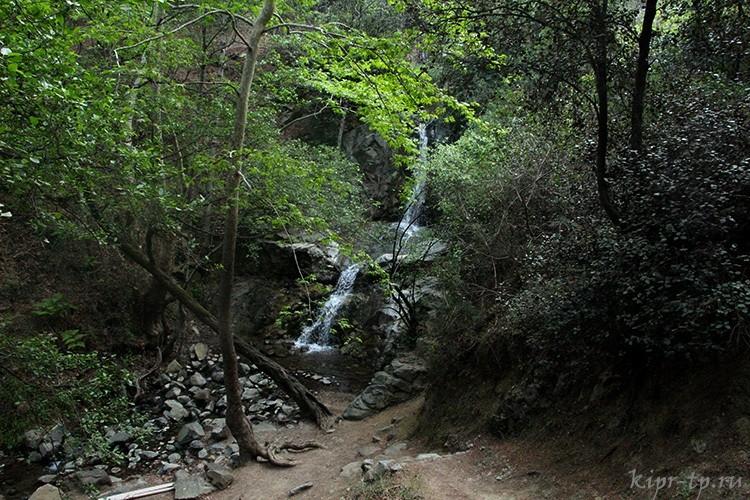 Водопад Меса Потамос, Кипр