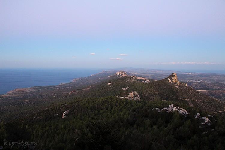 Замок Кантара: вид на горы и море