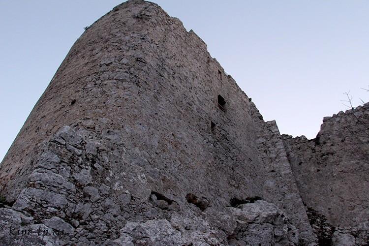 Крепостные стены Кантары