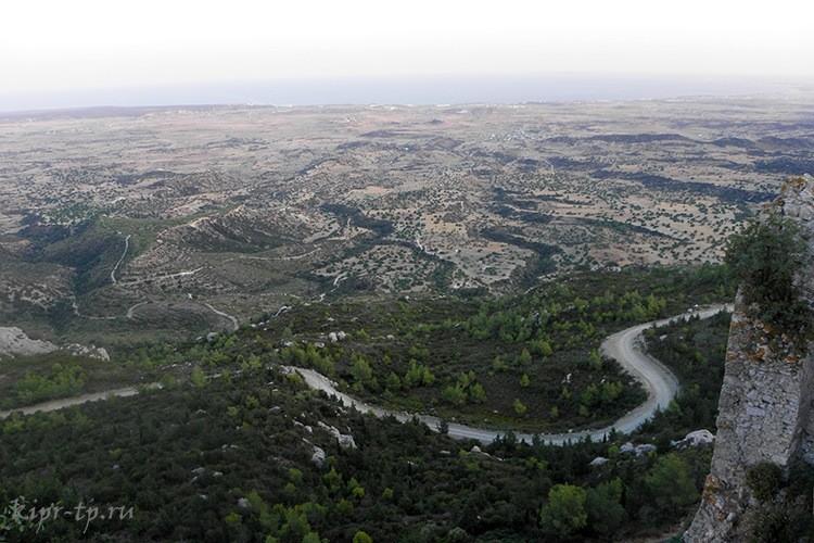 Дорога к крепости Кантара